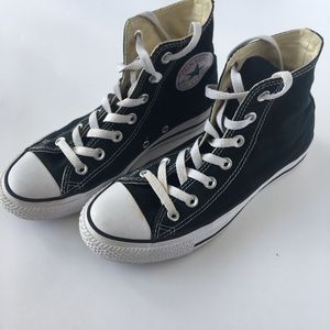 Converse Hi Top All Star Chuck Taylor Black/White